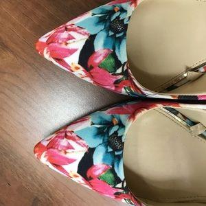 Jessica Simpson Floral Pumps